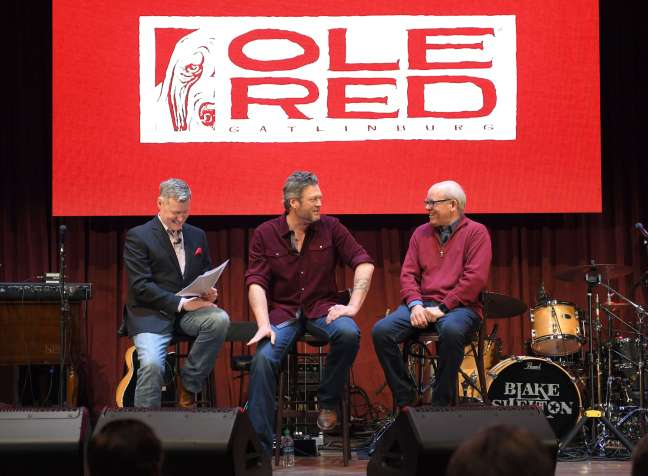650 AM WSM's Bill Cody moderates a press conference with Blake Shelton and RYman Hospitality Properties CEO Colin Reed