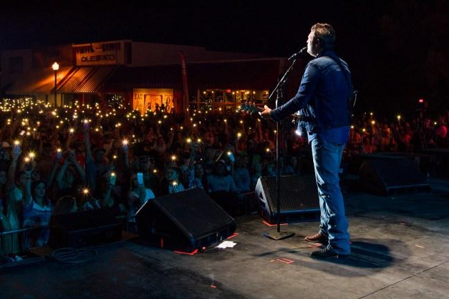 Blake Shelton performs at ORT